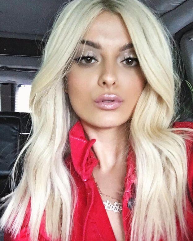 """Bebe Rexha - Un'altra che ha scritto una delle lettere aperte su Billboard: """"I miei amici e i miei fan LGBTQ sono fra i più cari che abbia. Nessuno riuscirà mai a spegnere la loro luce e nessuno potrà mai farmi desistere dal battermi per loro""""."""