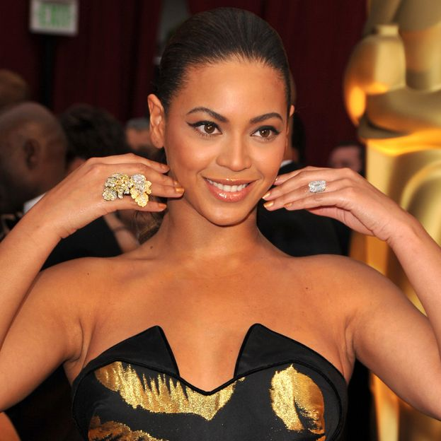 Jay Z ha lasciato a bocca aperta Beyoncé con un brillocco da 18 carati e 5 milioni di dollari.