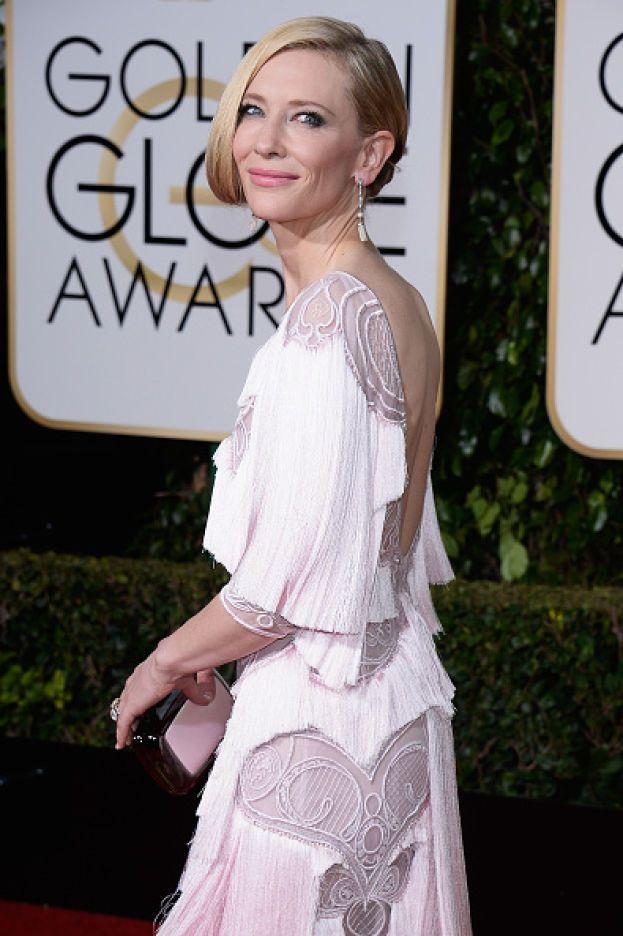 Cate Blanchett – Sembra una caratteristica comune delle attrici australiane: pelle bianchissima e sole no grazie.