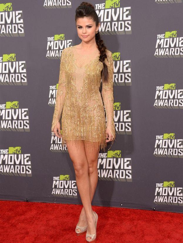 """Selena Gomez ha raccontato che, se fosse rimasta a Grand Prairie in Texas dove è nata, invece di andare a Los Angeles dove è diventata una star, probabilmente oggi lavorerebbe da Cracker Barrel, una catena di negozi e ristoranti in stile """"Stati Uniti del sud""""."""
