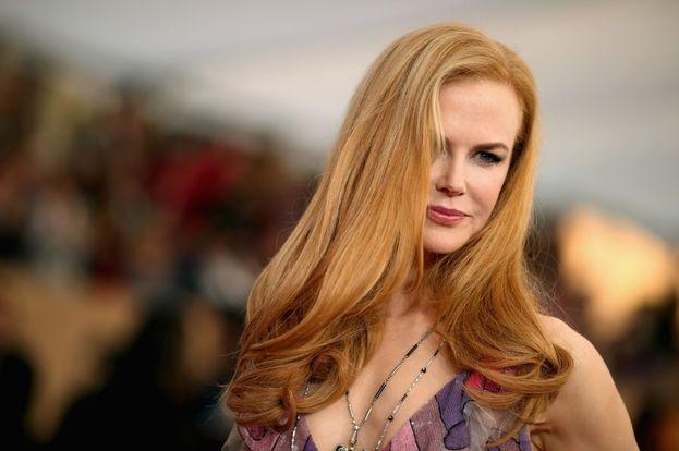 Nicole Kidman ha il fascino di una diva di altri tempi, ma ha svelato in diverse interviste che dietro la facciata si sente spesso goffa e timidissima.