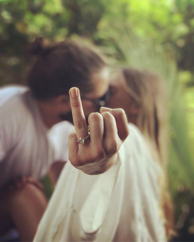 Margot Robbie e Tom Ackerley - Hanno gestito il loro matimonio (dicembre 2016) con tanta segretezza che, a quanto pare, non hanno svelato fino all'ultimo nemmeno ai 60 invitati dove si sarebbe svolta la cerimonia.