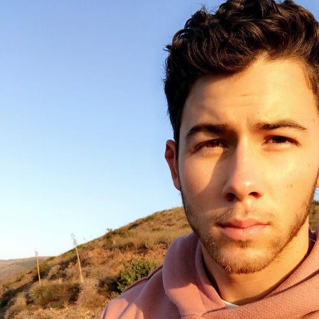 Nick Jonas è ossessionato dagli ufo. Una volta ha visto tre dischi volanti dal cortile di casa sua a Los Angeles.