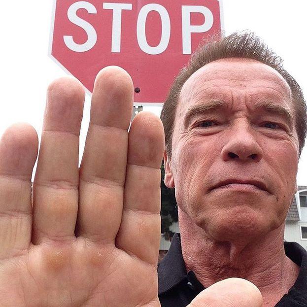 Nel 2011 Arnold Schwarzenegger e Maria Shriver divorziarono dopo che si scoprì che lui aveva avuto una relazione durata anni con la governante (avevano anche fatto un figlio insieme, fra parentesi).