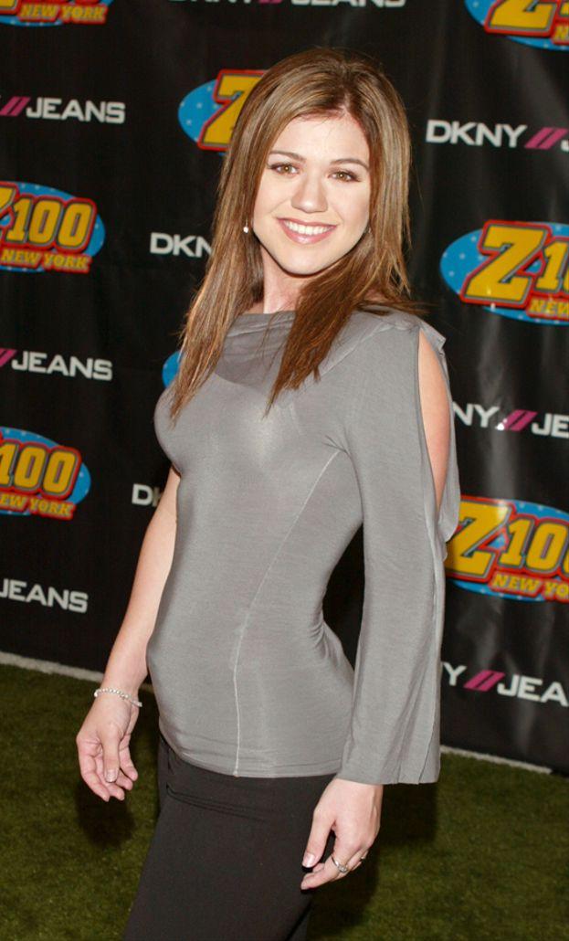 Kelly Clarkson nel 2003 era un figurino...