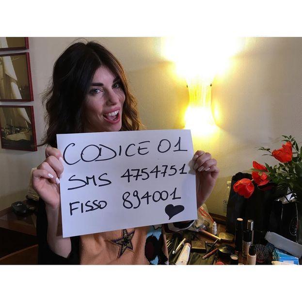 Il promemoria di Bianca dopo la sua esibizione: vota 1!