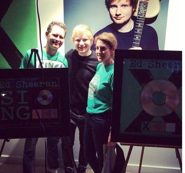 """""""x"""" ha fatto anche il botto in America con 210mila copie vendute solo nella prima settimana"""