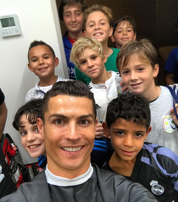 6. Cristiano Ronaldo – 83,4 milioni di follower. Unica presenza extra-showbiz. La vittoria all'Europeo gli ha dato una bella spintarella ;)