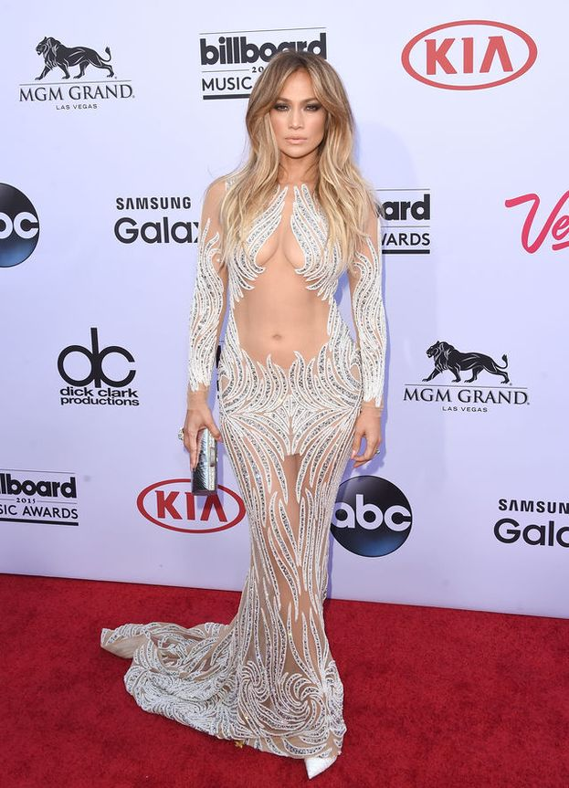 Jennifer Lopez ha costruito un impero sul suo leggendario fondoschiena, ma la sua caratteristica preferita è un'altra: la vita sottile.