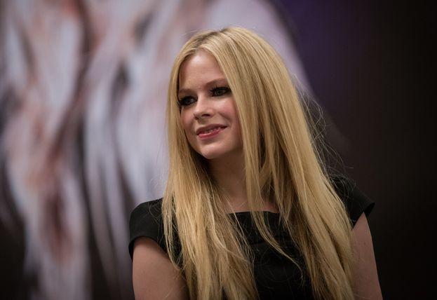 """1. Avril Lavigne. Se la gugoli, è lei la star che nel 2017 dà la più alta percentuale di risultati pericolosi (cioè che ti espongono a virus e siti truffa). E se ci aggiungi pure """"free mp3"""", allora devi stare ancora più attento! (L'analisi è stata condotta da McAfee.)"""