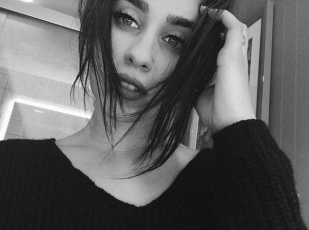 Lauren e il selfie in bianco e nero
