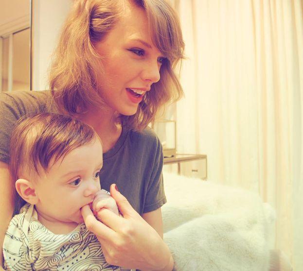 2. Taylor Swift – 94,2 milioni di follower. Nel 2015 era prima, mentre adesso è scivolata in seconda posizione. Come l'avrà presa?