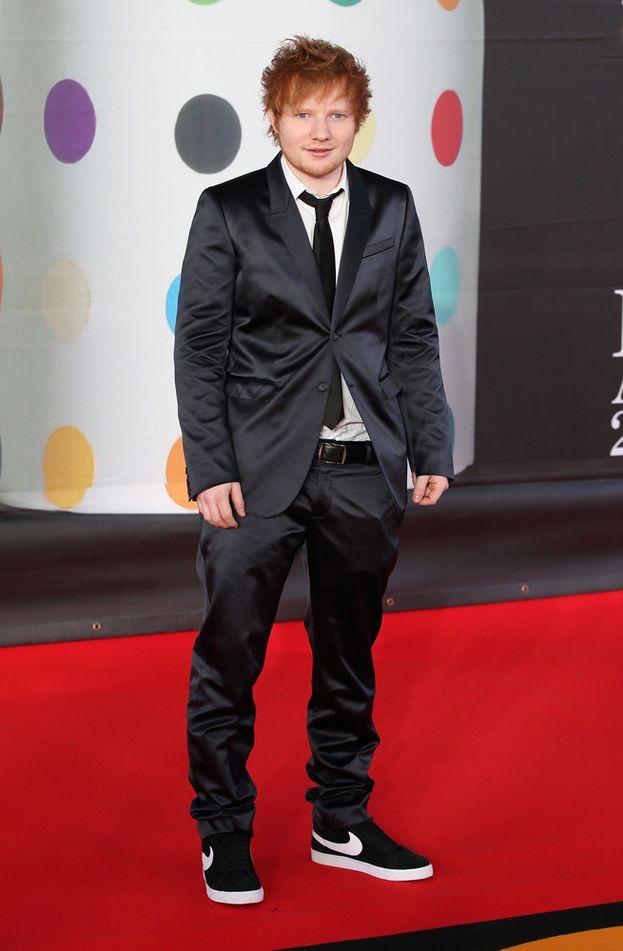 Ed Sheeran ha sempre avuto una tendenza alla morbidezza (qui siamo nel 2013). A un certo punto aveva superato i 90 chili!
