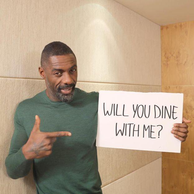 """""""Vuoi venire a cena con me?"""" Idris, se lo chiedi così, come si fa a dirti di no? Sei hot, bravo, fai kickboxing, corri in auto e sei un papà super per Isan e Winston..."""