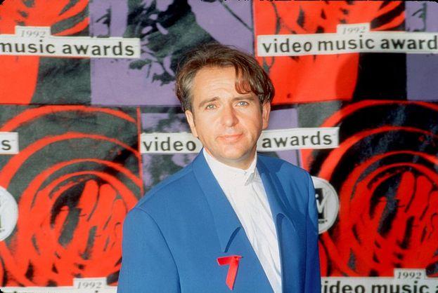 """Peter Gabriel: 13. Nel 1987 la sua """"Sledgehammer"""" ha fissato un record ancora imbattuto: nove Awards in un colpo solo. Nella foto, Gabriel ai VMA del 1990."""