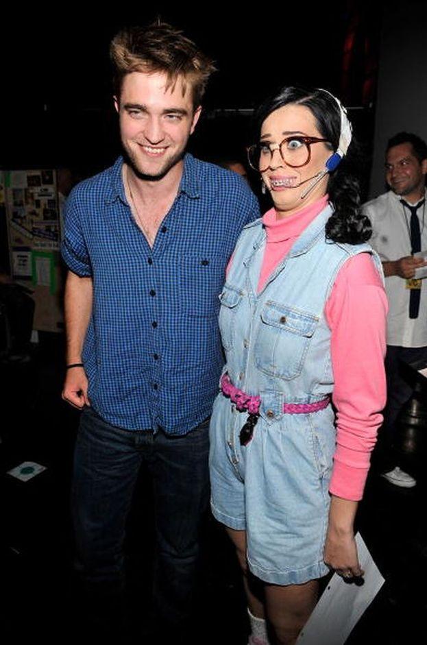 Tra gli alti e bassi della relazione con John Mayer, si è parlato di un flirt con Robert Pattinson