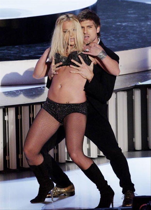 """Nel 2007 Britney ritorna sul palco dei VMA con """"Gimme More"""""""