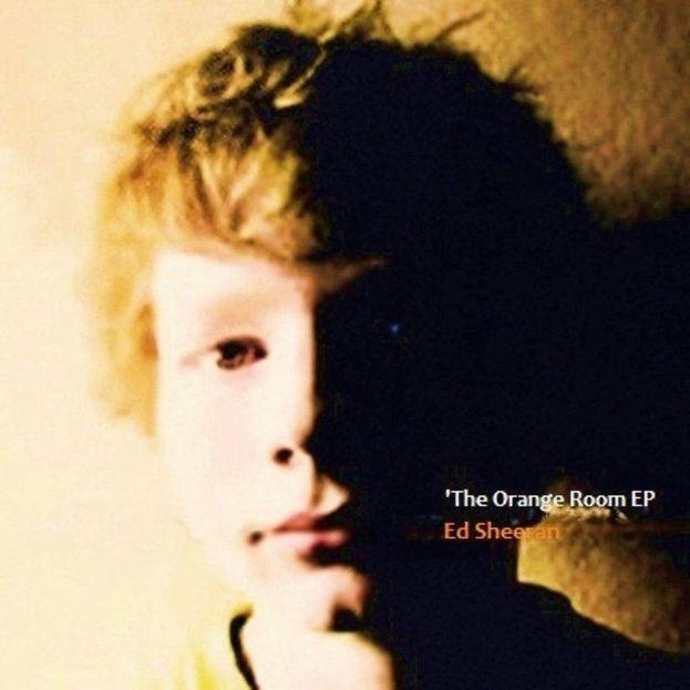 Ha pubblicato il primo EP - Orange Room - a 14 anni