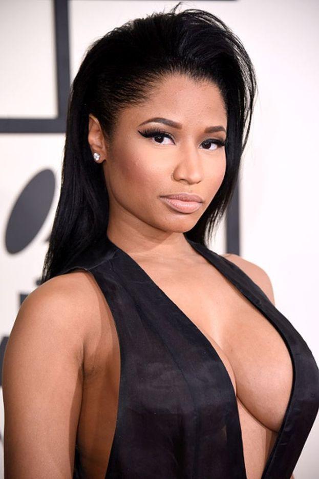 Nicki Minaj - All'inizio voleva fare l'attrice, ma non trovava abbastanza lavoro. Allora passò alla musica entrando in un quartetto hip hop, gli Hood$tars, che però non riusciva a farsi fare un contratto. Ognuno per la sua strada, e dopo qualche anno e altre porte sbattute in faccia Nicki finalmente riuscì a pubblicare il suo primo mixtape.