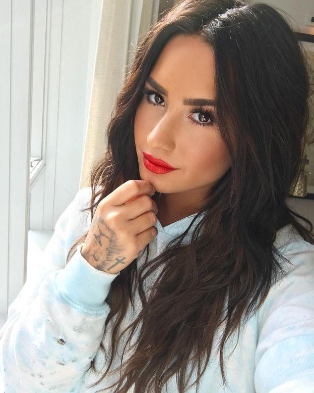 Alle medie Demi Lovato era già popolare, ma secondo alcuni ex compagni faceva un po' la bulletta. Ci crediamo, o è tutta invidia?
