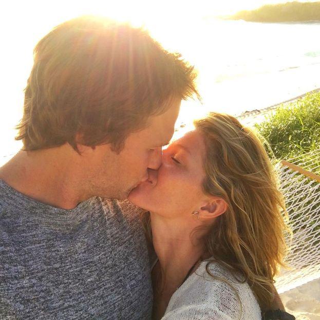Gisele Bündchen e Tom Brady - La supermodella e la star del football hanno celebrato due matrimoni, entrambi fuori dai radar dei paparazzi: il primo nel 2009 in una chiesetta di Santa Monica, il secondo l'anno dopo nella loro casa in Costa Rica.