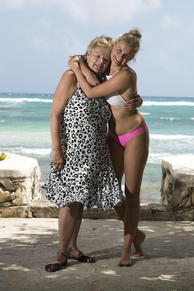 Victoria e sua nonna Joyce