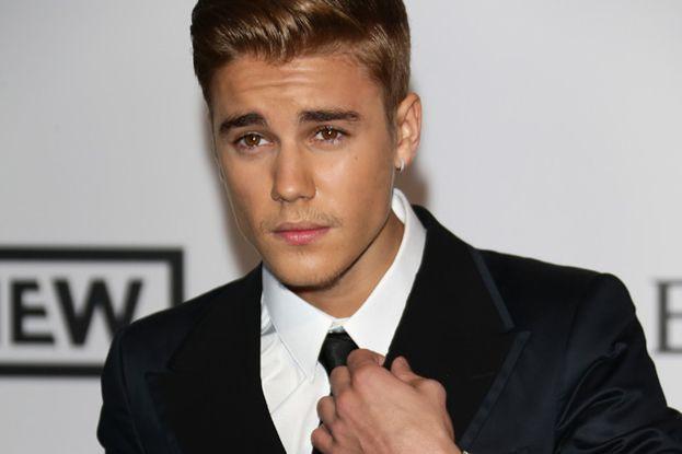 La parentesi rasta di Justin Bieber ha scatenato la Rete con ogni genere di paragoni. Come una carota selvatica, per esempio.