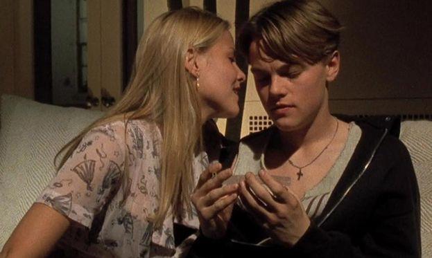 """Brittany Daniel - I due si sono frequentati nel 1994, dopo essersi conosciuti sul set del film """"Ritorno dal nulla""""."""