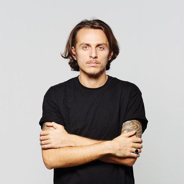 Ghemon – Il rapper Gianluca Picariello è un asso delle rime con una laurea in tasca (in Giurisprudenza), ottenuta nel 2002 alla LUISS di Roma.