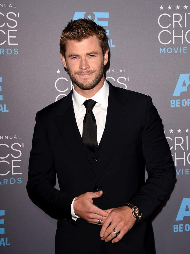 Chris Hemsworth, alias Thor, è una spettacolare montagna di muscoli e ha un sorriso che lascia secchi. È papà di tre figli: India Rose e i gemelli Tristan e Sasha, avuti con la favolosa moglie spagnola Elsa Pataki.