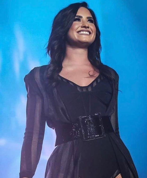 """Demi Lovato: """"Ho imparato che vivere le cose e affrontarle è ciò che ti rende più forte e alla fine fa di te una persona felice""""."""