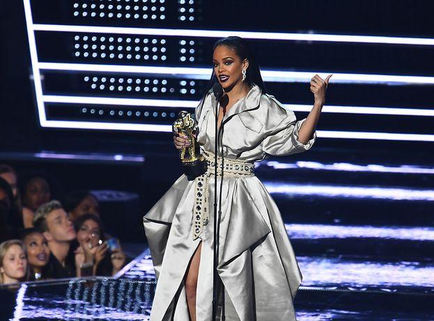 Rihanna ringrazia per il premio.