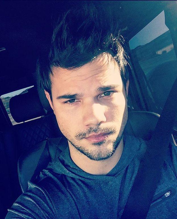 Nel 2010 si sparge la voce che Taylor Lautner è morto precocemente di overdose.