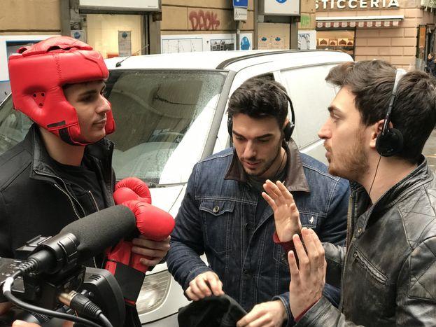 Cosa ci fanno i theShow con un pugile nei caruggi di Genova?