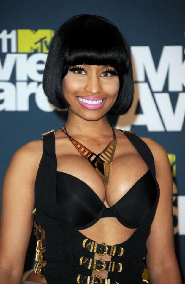 I fan non hanno dubbi: il sedere! E invece no, Nicki Minaj preferisce il seno.