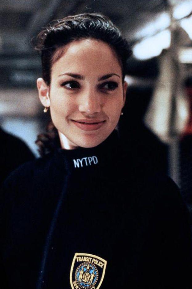 """Jennifer Lopez - Si era fatta le ossa con un po' di serie e di film per la tv, fino a quando nel 1995 le danno la sua prima parte importante a Hollywood in """"Money Train""""."""