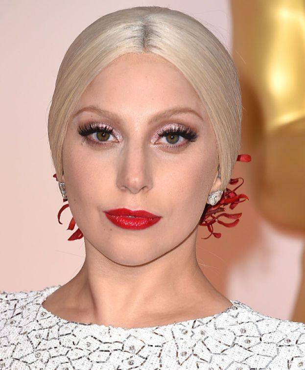 Lady Gaga, all'anagrafe Stefani Joanne Angelina Germanotta, è italiana per tre quarti. Le origini di tre bisnonni affondano a Naso, in provincia di Messina, e Broccostella, in provincia di Frosinone.