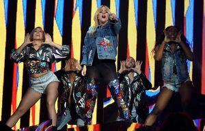 Coachella 2017: E do nada, eis que a Lady Gaga nos dá uma nova música!