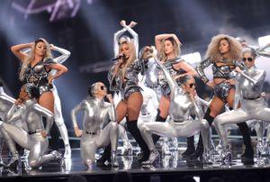 Brit Awards 2017: já viste todas as atuações?