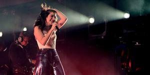 Coachella 2017: A Lorde apareceu de surpresa e trouxe uma nova música com ela!