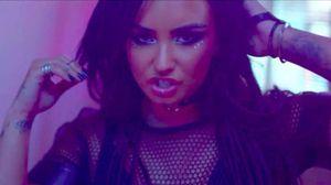 E a Demi Lovato, toda rebelde no seu novo vídeo?