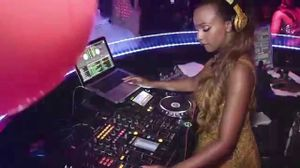 dj cuppy reps nigeria in texas