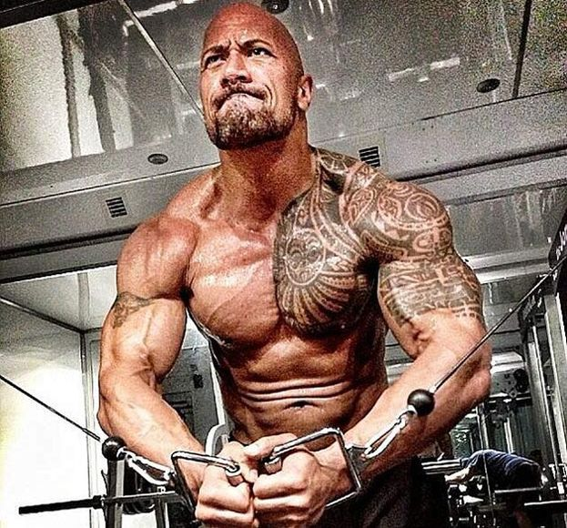 dwayne-johnson-entrenando