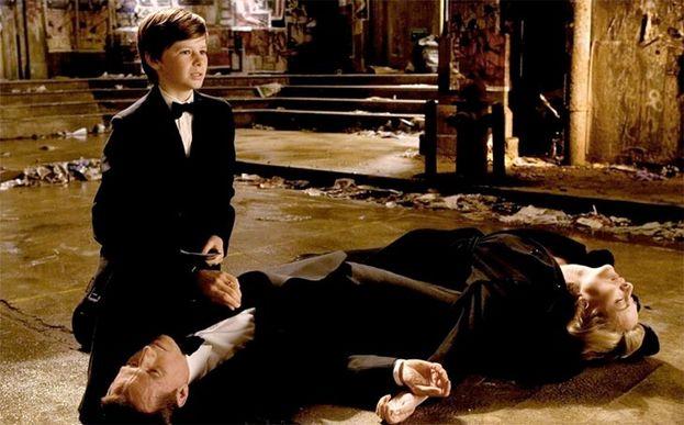 Gus Lewis en 'Batman Begins'