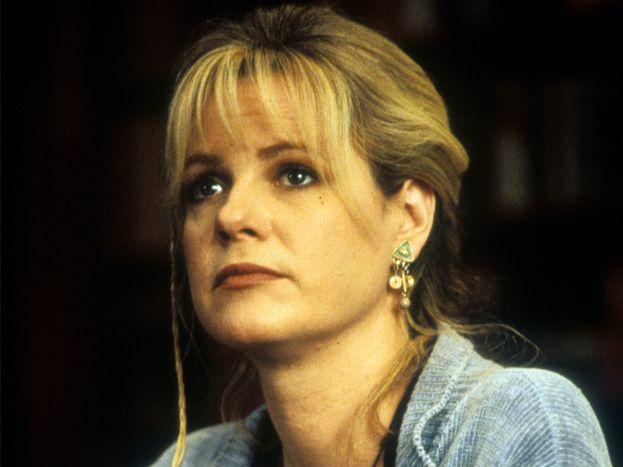 Sarah Whittle (Bonnie Hunt)