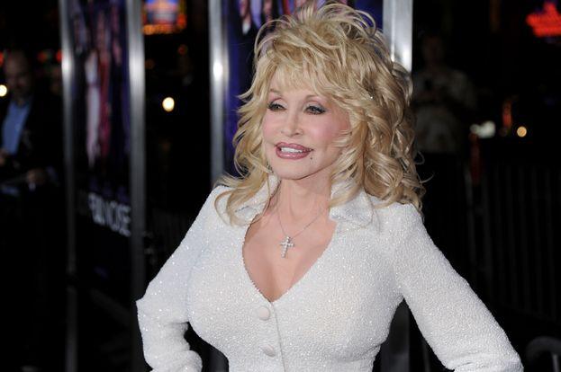 9. Dolly Parton y Carl Thomas Dean