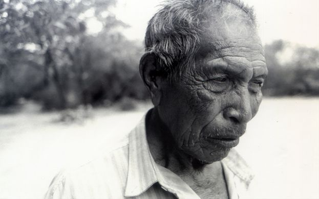 'OCTUBRE PILAGÁ, RELATOS SOBRE EL SILENCIO' (2010)