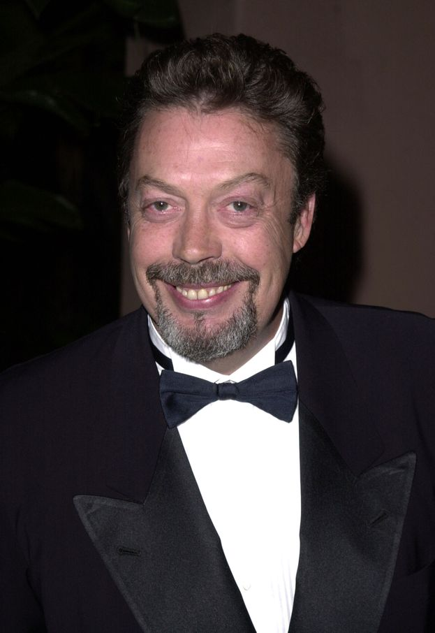 Tim Curry (Pennywise)