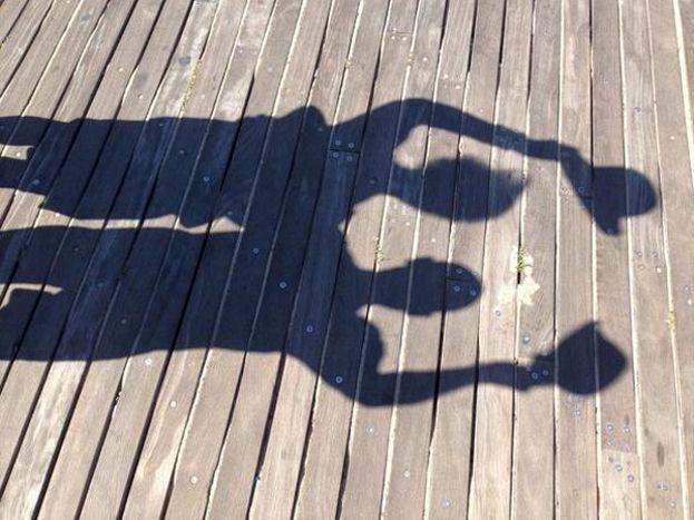 El adiós, con sombras