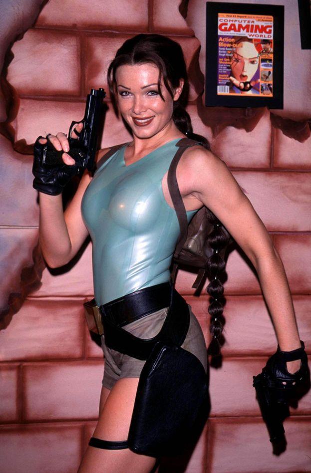 Nell McAndrew - 1998-1999